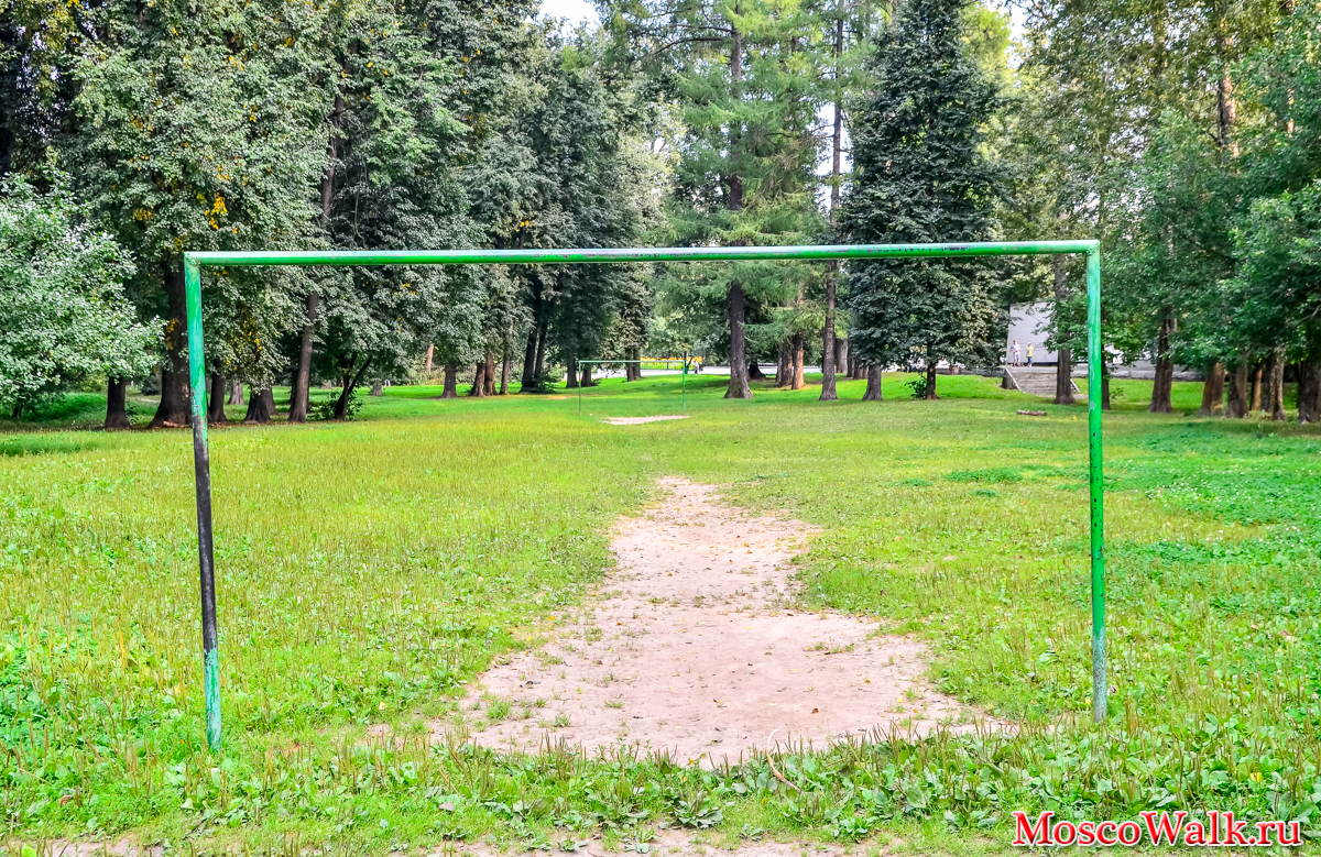 Grachevsky Park in Khovrino: a recreation area with an unusual history 53