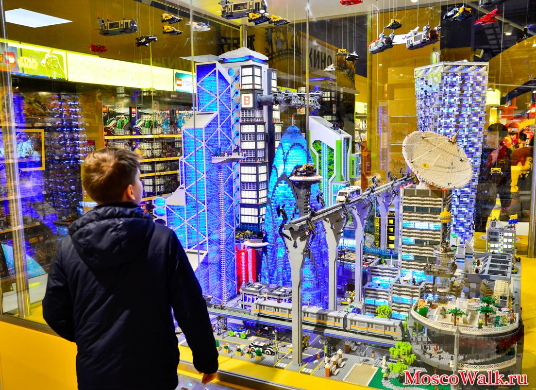 d7f5854419bf Центральный Детский магазин на Лубянке - MoscoWalk.ru - Прогулки по ...