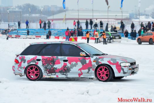 Hello Kitty на борту Subaru