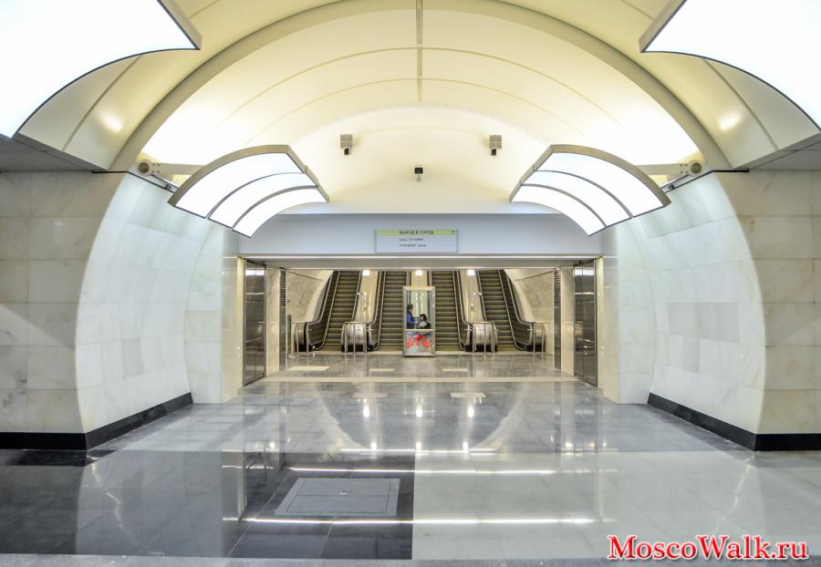 эскалаторы на станции Бутырская
